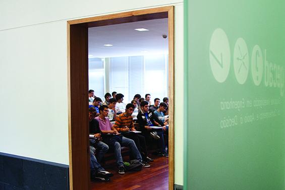 Aula no Instituto Superior de Engenharia do Porto | RuiPinheiro©
